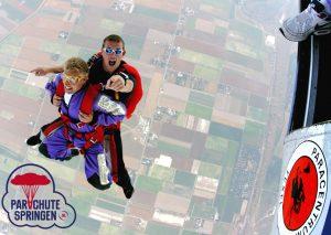 Parachutespringen 14 jaar - Parachutespringen.nl
