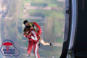 Parachutespringen acties - Parachutespringen.nl