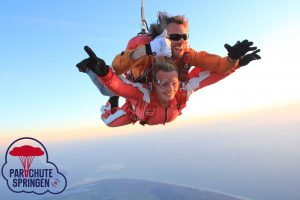 Sky Dive - Parachutespringen.nl