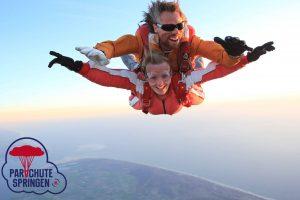 Spannende uitjes Nederland - Parachutespringen.nl