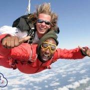 Parachutespringen Vliegveld Ameland