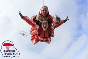 Parachutespringen Bevrijdingsdag - Parachutespringen.nl