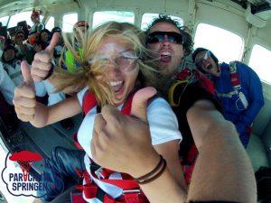 Skydiven in Nederland - Parachutespringen.nl
