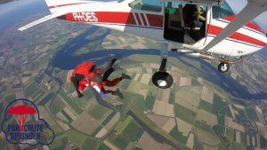 Skydive brevet - Parachutespringen.nl